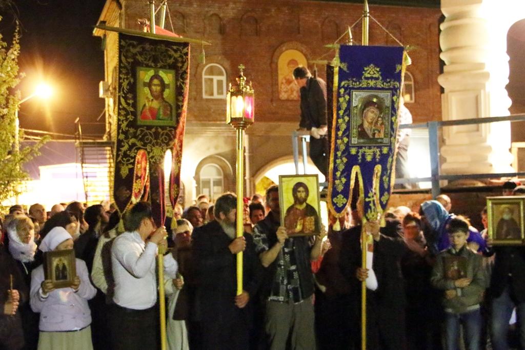 Пасхальное Богослужение в Свято-Никольском храме станицы Кавказской