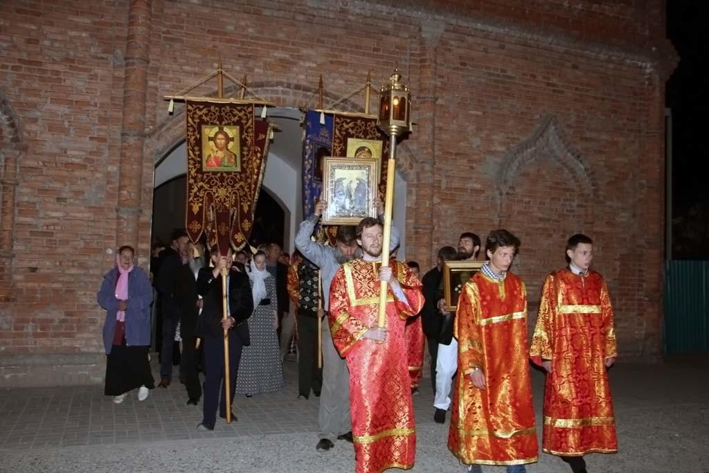 В ночь с 30 апреля на 1 мая в Свято-Никольском храме станицы Кавказской